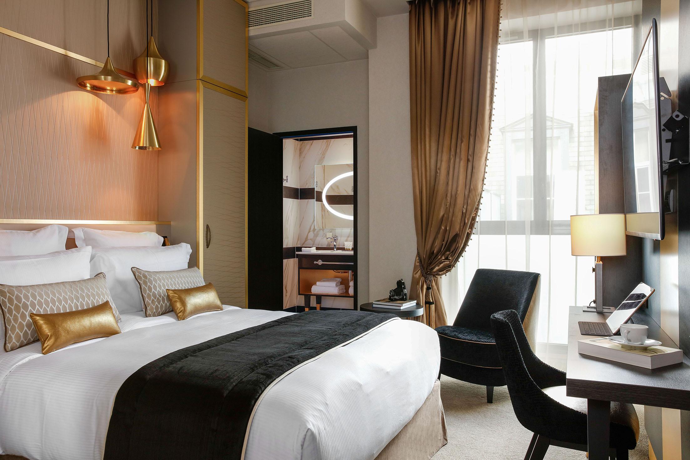 17 à 20 m2 avec grand lit double
